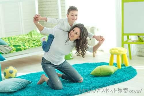 小学生男子とママ。習い事は中学受験するなら辞めるべき?