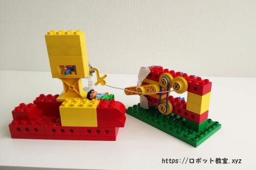 体験授業で作ったレゴブロックで作ったロボットです。
