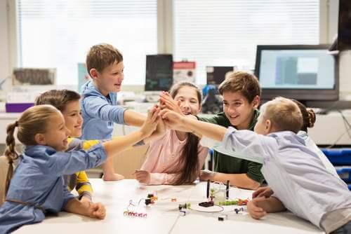 ロボット教室、子供たちのチームワーク