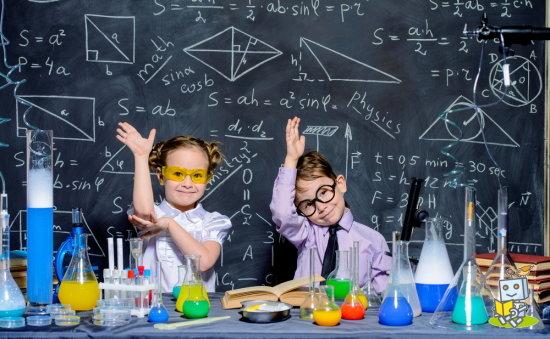 ロボット博士になりたい小学生の男の子と女の子