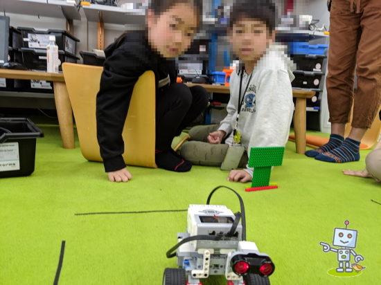 北区赤羽駅近くのロボットプログラミング教室n体験授業に参加した兄弟