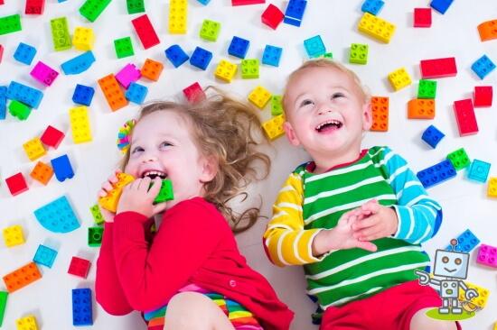 レゴクラスに通う幼児