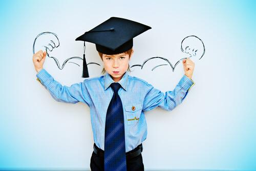 飛び級制度を活用して大学卒業を目指す10才の子ども
